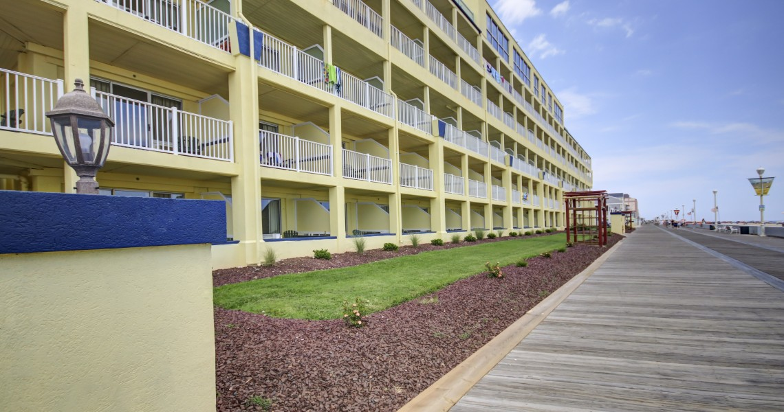 The outside of the Days Inn Hotel at Ocean City