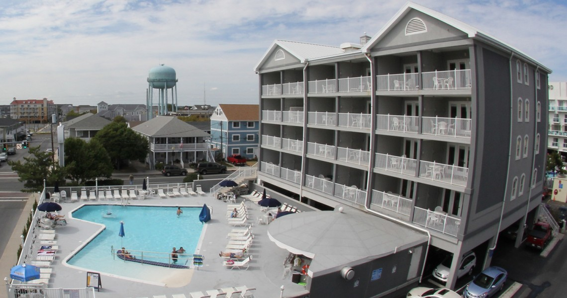 A view of the pool and exterior of the Command Hotel